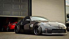 This 350Z looks sick.