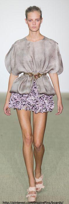 Spring 2014 Ready-to-Wear Giambattista Valli