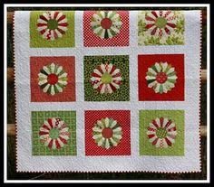 Christmas Dresden plate quilt.