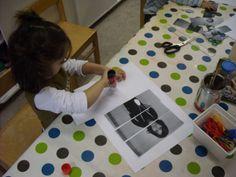 puzzel van jezelf maken: (peuter - 1K) trek een foto van de kleuter, print af, knip in het aantal stukken dat je wil en laat de kleuter de puzzel van zichzelf opnieuw maken. Photography Themes, School Themes, Preschool Classroom, Back To School, Activities For Kids, Kids Rugs, September, Art, Photos