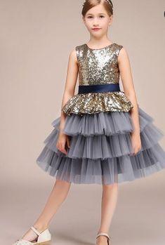 Little Girl Dresses, Girls Dresses, Frock Patterns, Kids Lehenga, Baby Coat, Junior Dresses, Kind Mode, Dress Codes, Frocks
