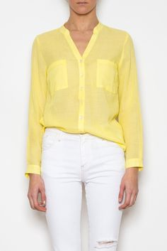 Camisa amarilla Sweaters, Fashion, Yellow Shirts, Yellow Pants, Yellow Blouse, Fashion Blouses, Summer Time, Accessories, Colors