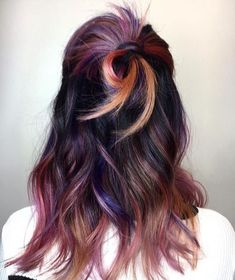 Hairstyles and Beauty: The Internet`s best hairstyles, fashion and makeup pics are here. Hair Color And Cut, Hair Color Dark, Cool Hair Color, Corte Y Color, Hair Dye Colors, Hair Highlights, Colorful Highlights In Brown Hair, Hair Dos, Fall Hair
