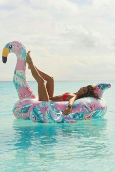 summer goals pool Step Aside, Pineapples This Floral Flamingo Is the quot; Pool Float of Summer Foto Flamingo, Flamingo Pool, Flamingo Inflatable, Floaties Pool, Flamingo Resort, Summer Pool, Summer Beach, Summer Fun, Summer Pictures