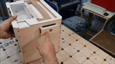 In this video I finally continue my homemade wooden sortainer. I've decide to use all space inside and make small long box under handle empty place. Systainer Festool, Garage Organisation, Tool Tote, Tool Cart, Diy Workbench, Hose Reel, Workshop Storage, Diy Tools, Montage