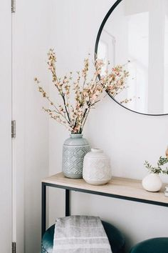 50 Simple DIY Apartment Decoration On A Budget Whether this is your very first a. - 50 Simple DIY Apartment Decoration On A Budget Whether this is your very first apartment or you& - Decoration Hall, Decoration Entree, Apartment Decoration, Entryway Decor, Entryway Ideas, Apartment Entryway, Hallway Entrance Ideas, Hall Table Decor, Hallway Tables