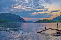 Pic of the Day... A beautiful #HudsonRiver sunset by John Morzen Photography  #hudsonvalley #NYS #NewYork