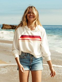Billabong x Summer McKeen is here! Shop the full collection now Billabong x Summer McKeen ist da! Surfer Outfit, Surfer Girl Outfits, Surfer Girl Fashion, Surfergirl Style, Red High Low Dress, Cowgirl Style Outfits, Sleeveless Blazer, Outfits, Brazil