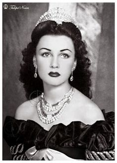 HIM Empress Fawzia Of Iran (Tehran In 1940s)