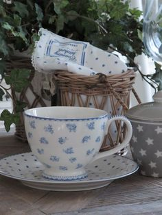 Audrey Teacup from GreenGate, so elegant !