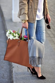 simple jeans, jacket, & heels with scarf and tote.