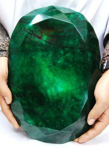 world's largest emerald (I swear this looks like kryptonite.)