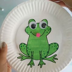 Paper Plate Frog Craft Cute and easy frog craft for preschool and kindergarten kids. p Paper Plate Frog Craft Cute and easy frog craft for preschool and kindergarten kids thejoyofsharing preschoolcrafts kindergartencrafts preschoolactivities p Paper Plate Crafts, Paper Crafts For Kids, Craft Activities For Kids, Paper Plates, Paper Crafting, Arts And Crafts, Craft Ideas, Cute Kids Crafts, Winter Crafts For Kids