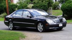Mercedes S500...my future sedan but only this year model. <3
