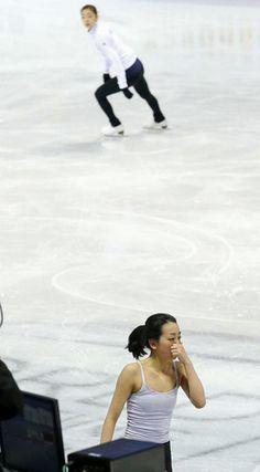 公式練習での浅田真央と金妍児