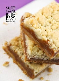 """Salted Caramel Butter Bars - This is an easy recipe and resulted in compliments that sounded like """"mmmmm"""". LOTS of butter which is always a great pairing with carmel. The carmel stayed soft but not gooey. Köstliche Desserts, Delicious Desserts, Dessert Recipes, Yummy Food, Candy Recipes, Yummy Recipes, Yummy Treats, Sweet Treats, Sour Cream"""