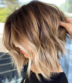 Hair Blond, Blonde Hair With Highlights, Dark Hair, Brown Bob With Highlights, Color Highlights, Longbob Hair, Current Hair Trends, Short Hairstyles Fine, Medium Shaggy Hairstyles