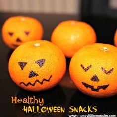 Easy Halloween Treats for Kids - tangerine jack o lantern Halloween Activities For Kids, Toddler Halloween, Halloween Birthday, Birthday Ideas, Scarecrow Crafts, Halloween Crafts, Halloween Decorations, Five Little Pumpkins Song, Monster Snacks