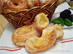El nombre de estos roscos se debe a que son muy ligeros, huecos por dentro y de sabor muy suave.           Ingredientes: 250 gr de leche, 12...