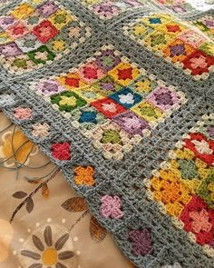 Yarn Crochet Projects Suzanne Border detail - needs blocked, but finished at last 🙌 (Border pattern from Around the Corner by Edie Eckman) Crochet Bedspread, Crochet Quilt, Crochet Blocks, Crochet Motif, Baby Blanket Crochet, Crochet Stitches, Crochet Blankets, Granny Square Crochet Pattern, Afghan Crochet Patterns