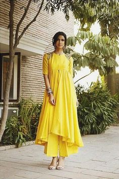 High low kurta with palazzo - Jayanti Reddy - What to wear to an Indian wedding Indian Bridal Fashion, Indian Wedding Outfits, Indian Outfits, Indian Attire, Indian Ethnic Wear, India Fashion, Ethnic Fashion, Pakistani Dresses, Indian Dresses
