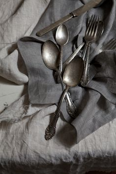vintage gray linen and tarnished silver Vintage Silver, Antique Silver, Vintage Lace, Style Brut, Zinn, Tarnished Silver, French Grey, Silver Spoons, Silver Cutlery