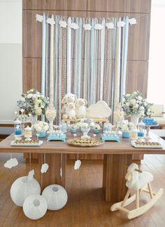 O Chá de Bebê do Renatinho tem um historinha super fofa e bonitinha, quem conta para gente todos os detalhes é a Gigi Sampaio Designer de Sonhos, responsável por todo conceito e decoração da festa: