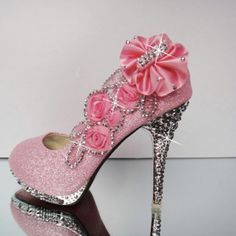 Pink crystal bow shoe  from ILoveCuteShoes.com
