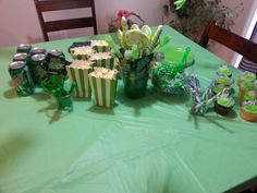 Xbox party Video Game Party, Party Games, Party Favors, 9th Birthday, Boy Birthday Parties, Xbox Party, Party Ideas, Table Decorations, Boys