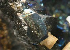 Bornite, Cu5FeS4,  Zgounder Mine, Jebel Siroua, Taroudant Province, Morocco. Fov 6 mm.  Copyright: © 2005 M. Kampf