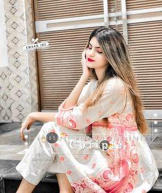 Stylish Girls Photos, Girl Photos, Girlz Dpz, Short Frocks, Pics For Dp, Profile Picture For Girls, Girls Image, Boy Or Girl, Sari