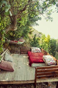 Lovely sleeping deck
