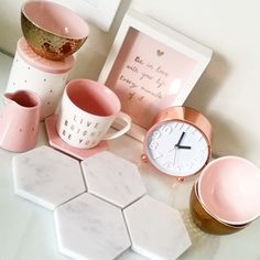 A collection of pretty pastels & marble musthaves @bakedbybelle #homewares…