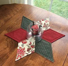 Country French Floral Quilted Star Candle Mat Christmas.