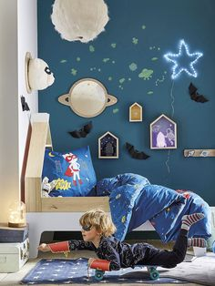 A real superhero's bed like no other. This comic strip-style set includes a duvet cover + pillowcase printed with vigilante kittens, a crescent moon and stars. so superheroes' dreams are full of fun! Boys Bedroom Furniture, Black Furniture, Kids Bedroom, Bedroom Ideas, Cozy Bedroom, Trendy Bedroom, Bedroom Black, Comfy Bed, Modern Bedrooms