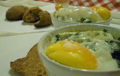 Uova in cocotte con pane integrale