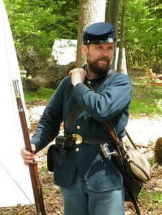 Reenactment Soldier Getting Ready For Battle Civil War Photos, Photography Contests, Us History, Reference Images, American Civil War, Us Army, Historian, Photo Contest, 19th Century