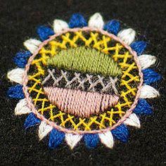 Traditional Finnish Wool Embroidery - Kansanomainen Lapuan naisen kansallispuku