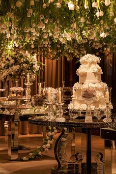 Top 10 Luxury Wedding Venues to Hold a 5 Star Wedding - Love It All Star Wedding, Wedding Table, Wedding Ceremony, Dream Wedding, Candybar Wedding, Corset Back Wedding Dress, Luxury Wedding Venues, Elegant Wedding Cakes, Wedding Designs