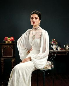 Before Padmavati, Deepika Padukone turns royal and rules like a queen in this photoshoot. See photos Deepika Padukone Latest, Deepika Ranveer, Deepika Padukone Style, Bollywood Celebrities, Bollywood Fashion, Bollywood Actress, Actress Anushka, Bollywood Style, Celebrities Fashion