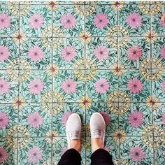 Amazing pic by @sheasomething keep tagging #ihavethisthingwithtiles   _____________________________________________    #fwisfeed #feet #maioliche #lookyfeets #lookdown #selfeet #fwis #fromwhereyoustand #viewfromthetop #ihavethisthingwithfloors #viewfromthetopp #happyfeet #picoftheday #photooftheday #amazingfloorsandwanderingfeet #vsco #all_shots #lookingdown #fromwhereonestand #fromwherewestand #travellingfeet #fromwhereistand #tiles #tileaddiction #tilecrush #floor #vscocam #instatiles