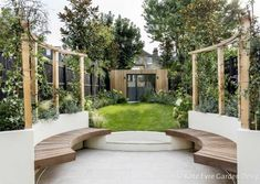 Back garden in Clapham, featuring curved raised beds with mounted pergolas and c… – Raised Garden Beds Curved Pergola, Pergola Shade, Pergola Kits, Pergola Ideas, Retractable Pergola, Pergola Garden, Garden Design London, Back Garden Design, Gardens
