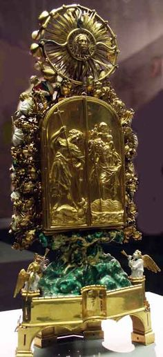 LATE GOTHIC | Thorn Reliquary. Reverse.  | 1405-1410 | French | Gothic: Late' | Gold; enamel; precious stones | Paris. France.