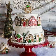 I LOVE this idea! OP: Best part we had for Harley was decorating gingerbread houses and then putting them on her Birthday cake. The girls had so much fun. Big sis had a good idea thank u Tana! Christmas Sweets, Christmas Cooking, Noel Christmas, Christmas Goodies, Christmas Cakes, Xmas, Holiday Cakes, Christmas Birthday Cake, Christmas Eve Dinner