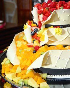 今人気のウェディングケーキ「フルーツシャワーケーキ」って? | marry[マリー]