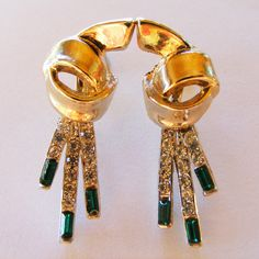 Taylor: A nod to Elizabeth - these stunning vintage rhinestone earrings would be a very welcome gift under the tree this Christmas :) Rhinestone Earrings, Vintage Rhinestone, Welcome Gifts, 1940s, Christmas, Design, Xmas, Navidad, Noel