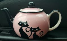 """HUES N BREWS """"Cattitude"""" Cat Design TEAPOT in Pink and Black great condition #Huesnrews"""