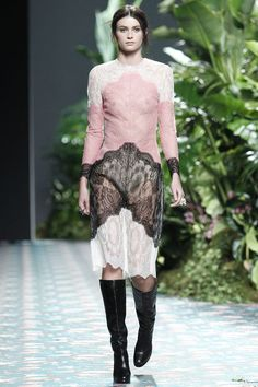 Jorge Vázquez Moda Madrid, Black And Pink Dress, Fall 2016, Winter, Mercedes Benz, Lace Skirt, Red Carpet, Ready To Wear, Ballet Skirt