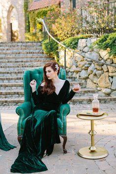 emerald-gold-wedding-bride