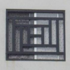 Herrería de ventana con un diseño robusto moderno para casa residencial